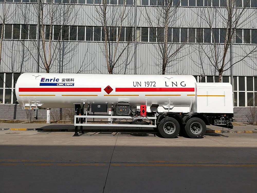 LNG transport semi-trailer